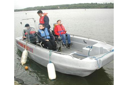Powerboat with wheelchair access